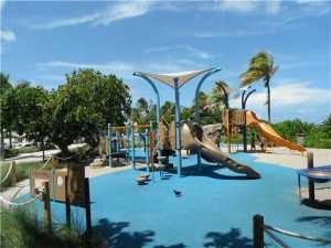 F1251833_P01_22 Playground